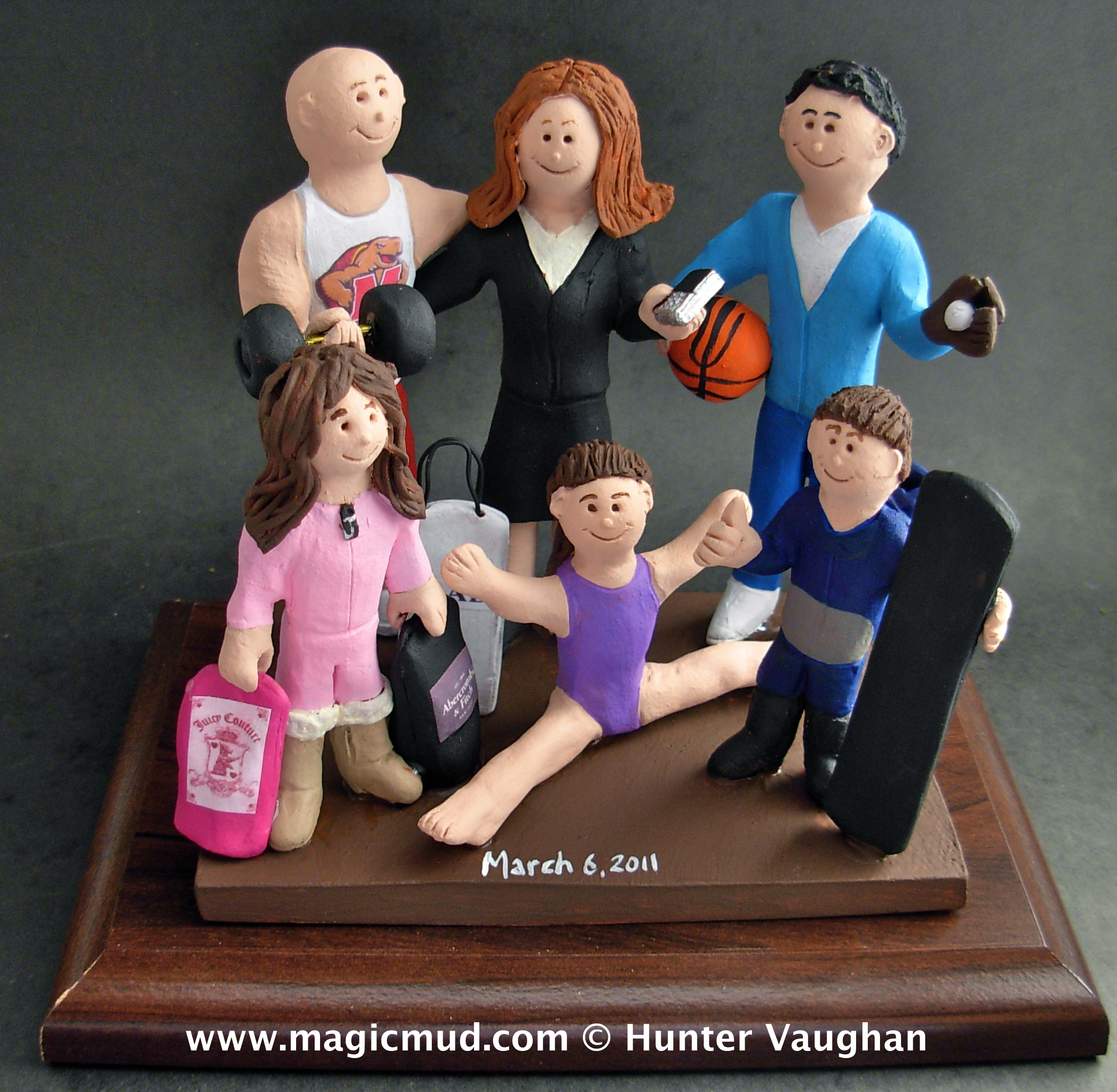Custom Wedding Cake Toppers And Personalized Wedding Figurines