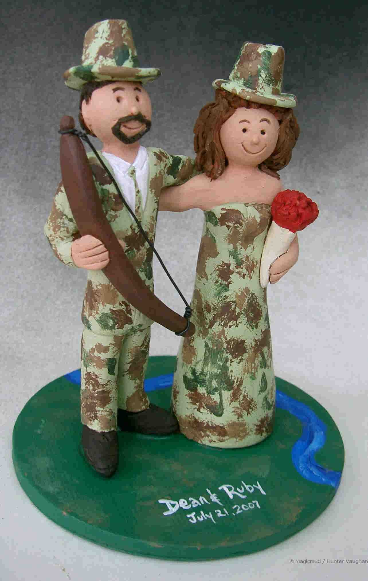 Hunters in Camouflage Wedding Cake Topper